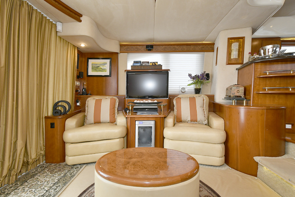 2009 Silverton 52' 52 Ovation King George | Picture 5 of 32
