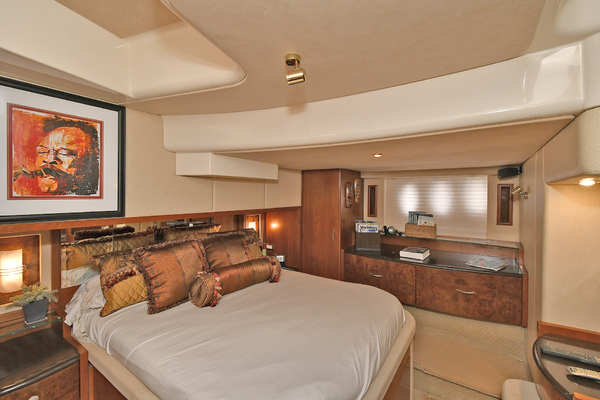 2009 Silverton 52' 52 Ovation King George | Picture 3 of 32