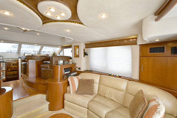 2009 Silverton 52' 52 Ovation King George | Picture 4 of 32