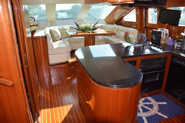 Picture Of: 76' Horizon 76' Open Flybridge 2005 Yacht For Sale | 4 of 75