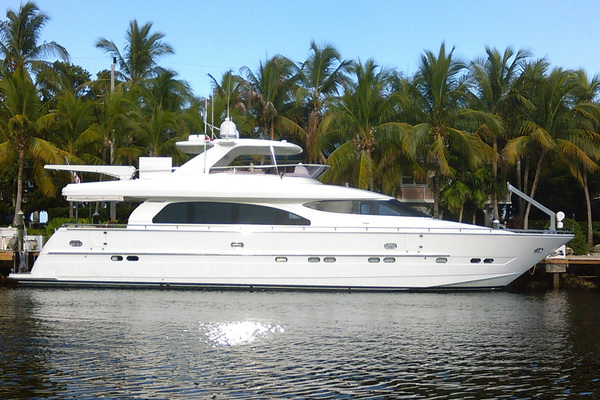 76' Horizon 76' Open Flybridge 2005 | Sweet Janine