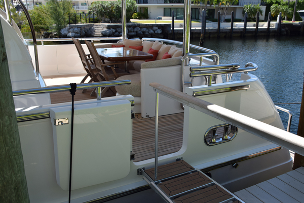 Picture Of: 76' Horizon 76' Open Flybridge 2005 Yacht For Sale | 2 of 75