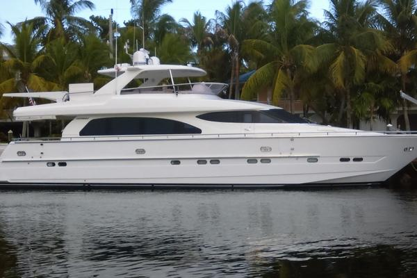 Horizon 76' Open Flybridge
