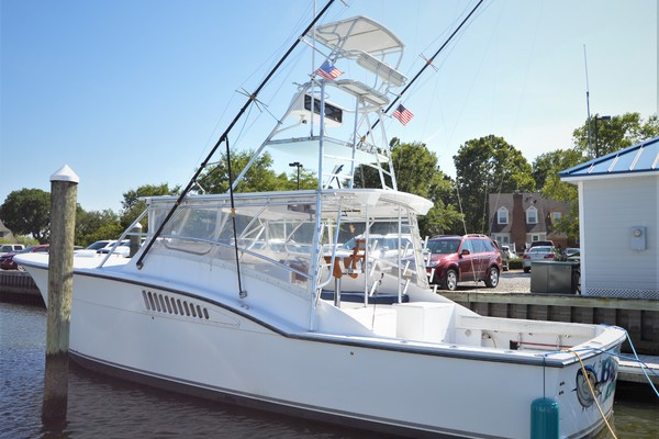 Hatteras Custom 45 Express