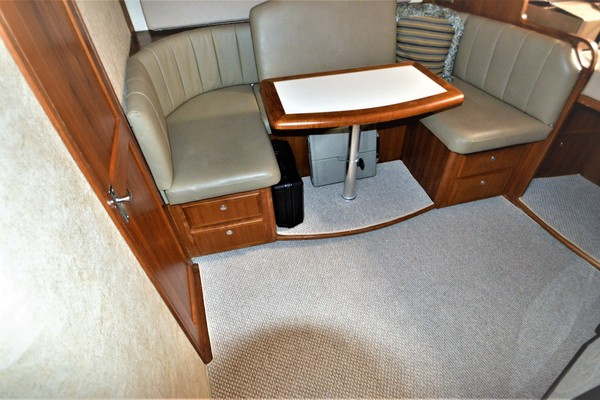 2005Topaz 40 ft 40 Express   Reel Commocean