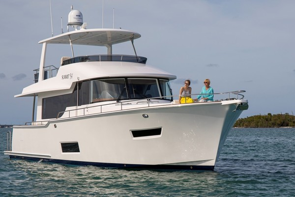 58' Summit Motoryachts Summit 54 2020 | Summit 54