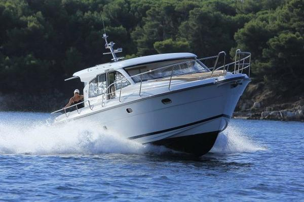 Picture Of: 44' Nimbus 405 COUPÉ 2017 Yacht For Sale | 3 of 23