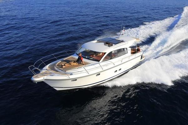 Picture Of: 44' Nimbus 405 COUPÉ 2017 Yacht For Sale | 4 of 23