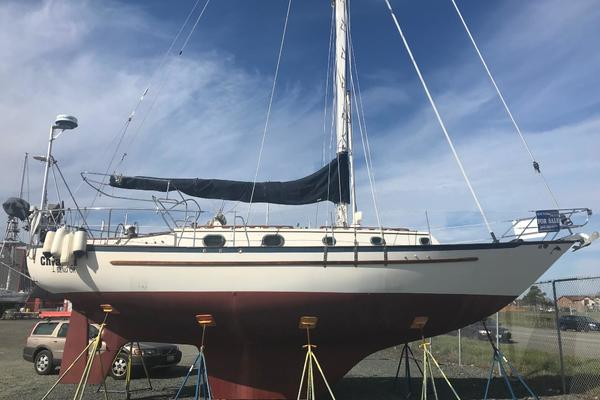 Pacific Seacraft 37' 1982 | Chianti