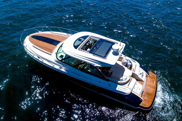36' Chris-Craft Corsair 36 Hard Top 2016 | My Pleasure