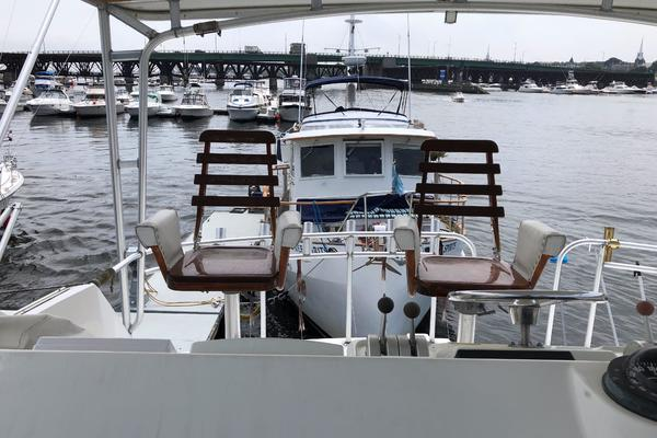 1994 Hatteras 54' 54 Convertible Sophia Marie | Picture 7 of 35