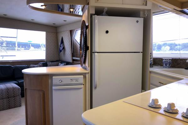 1994 Hatteras 54' 54 Convertible Sophia Marie | Picture 1 of 35