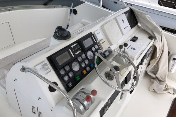 1994 Hatteras 54' 54 Convertible Sophia Marie | Picture 5 of 35