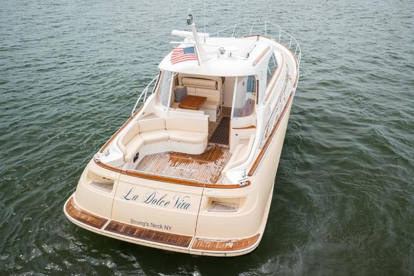 Picture Of: 44' Mochi Craft 44 Dolphin 2008 Yacht For Sale | 3 of 53