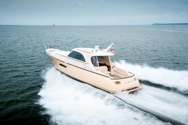 Picture Of: 44' Mochi Craft 44 Dolphin 2008 Yacht For Sale | 4 of 53