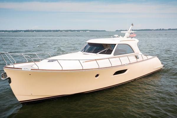 Picture Of: 44' Mochi Craft 44 Dolphin 2008 Yacht For Sale | 2 of 53