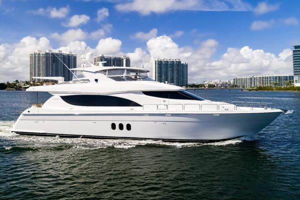 Picture Of: 80' Hatteras 80 Motor Yacht 2013 Yacht For Sale | 2 of 66
