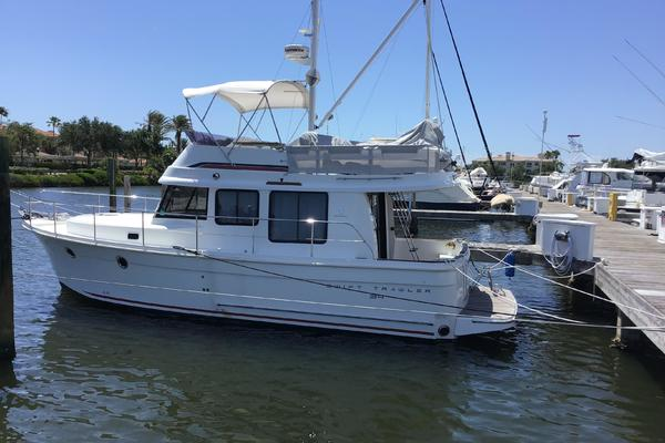 34' Beneteau Swift Trawler 34 2014 | New Horizons