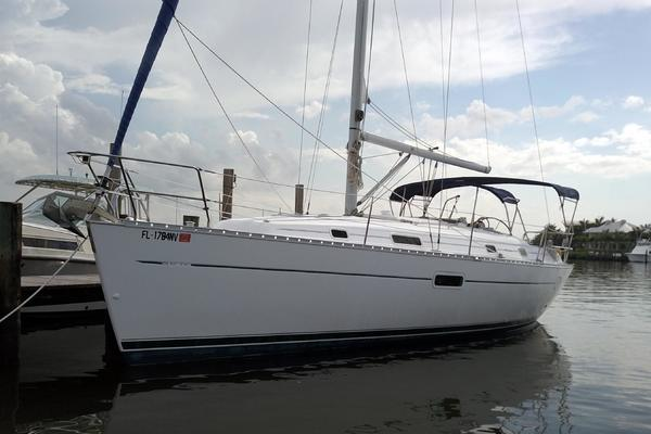 36' Beneteau 361 2004 | Sweat Retreat