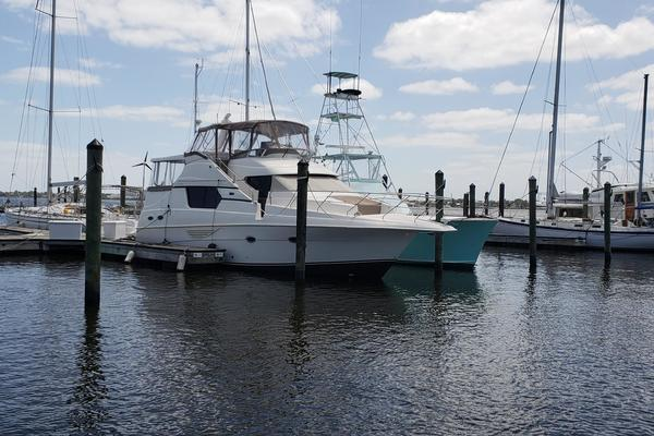 45' Silverton 453 Motor Yacht 2003 | Apple Turnover