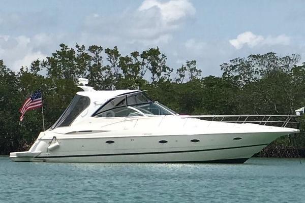 Cruisers Yachts 3970 Express Hardtop