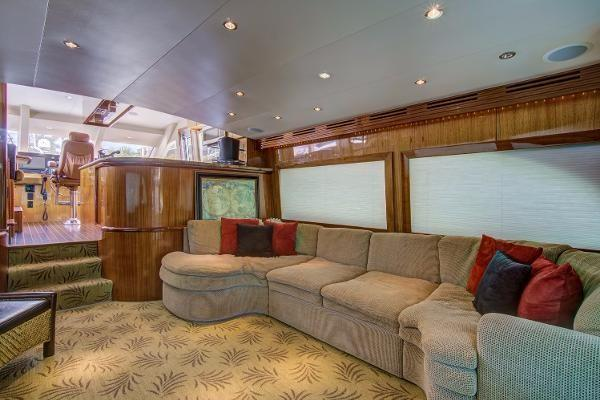 2006Hatteras 64 ft 64 Motor Yacht   Wine and Roses