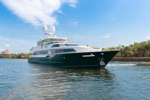 133' Custom-Splendor Raised Pilothouse 2008
