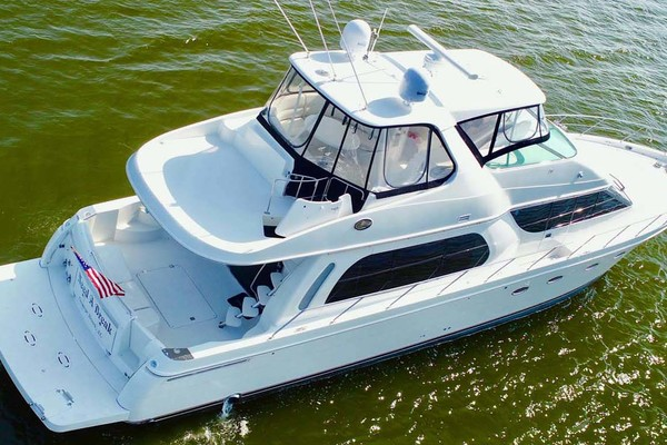 2006Carver 56 ft 560 Voyager   NEED A BREAK