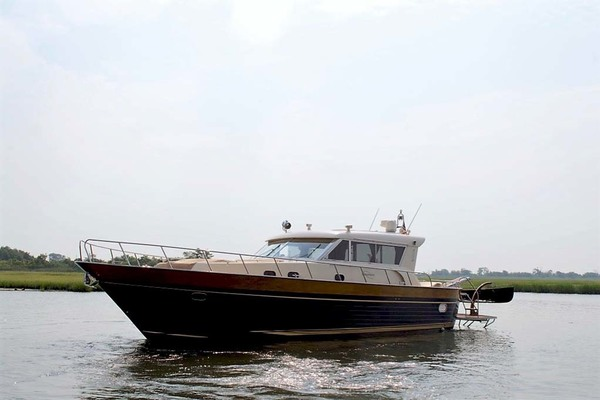 54' Apreamare Express Cruiser 2005 | SYBERATIC
