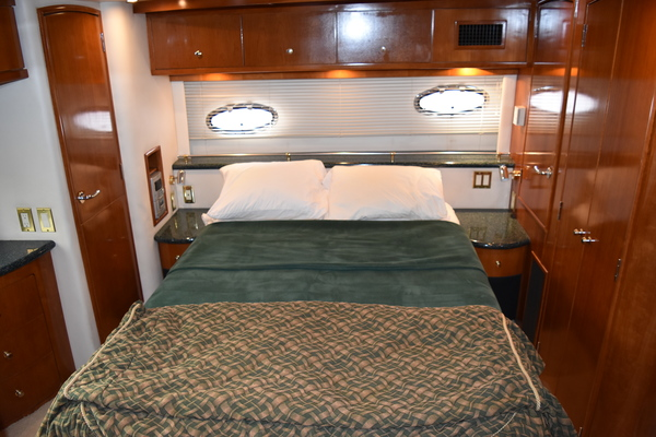 2001 Carver 50' 506 Motor Yacht Lady Faye  | Picture 7 of 26
