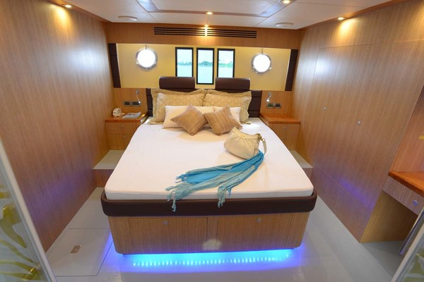 2020 Dyna Yachts 52' Flybridge  | Picture 7 of 18