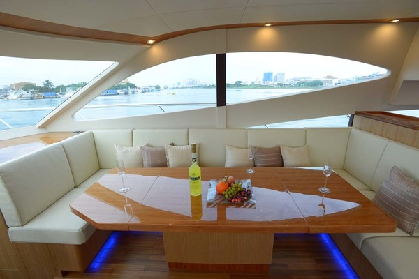 2020 Dyna Yachts 52' Flybridge  | Picture 3 of 18