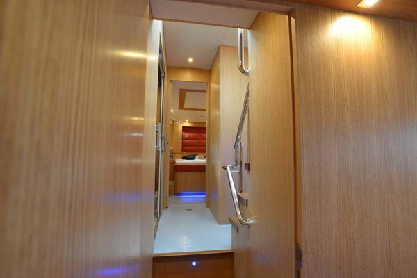 2020 Dyna Yachts 52' Flybridge  | Picture 6 of 18