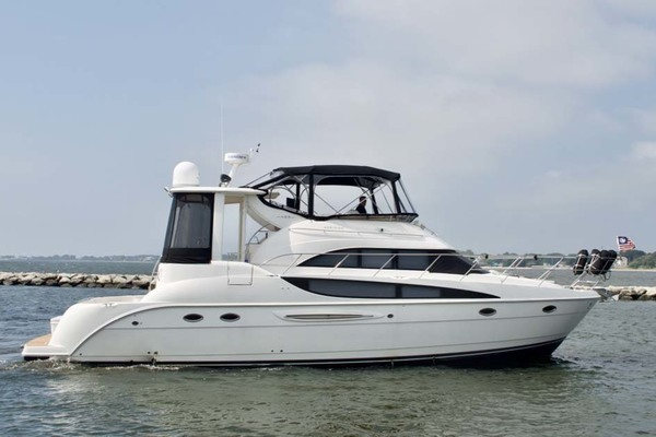 Photo of 2006 Meridian 459 Profile