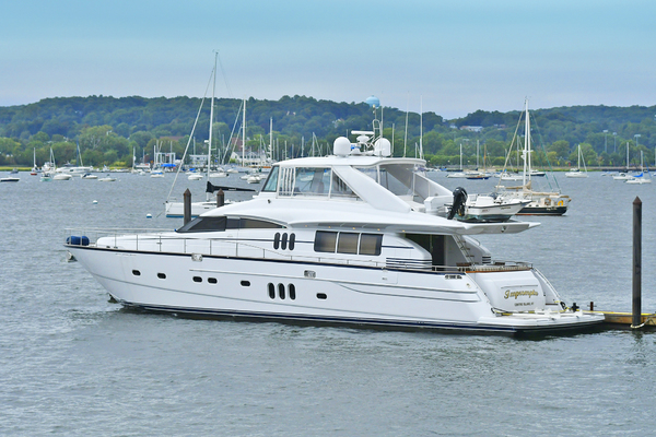 84' Princess 84 Flybridge  2006 |
