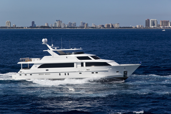 114' Hargrave Raised Pilothouse 2013 | DONNA MARIE