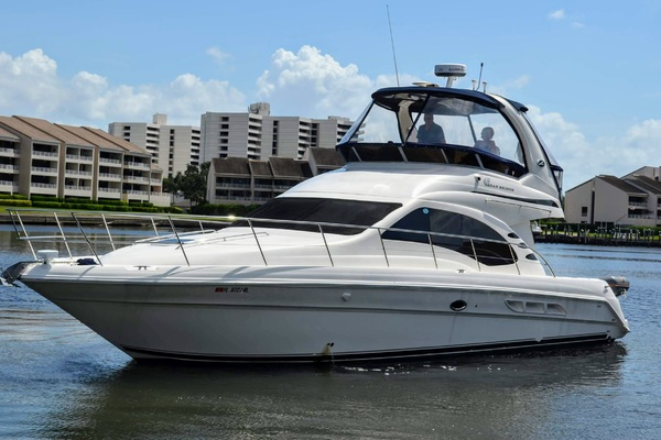 2005 Sea Ray 420DB