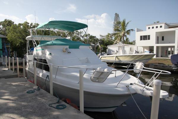 34' Mainship 34 Motor Yacht 1996