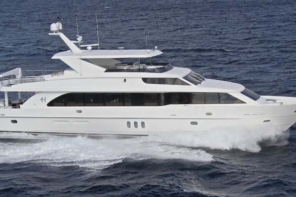 100' Hargrave Raised Pilothouse 2014 | JULIE M