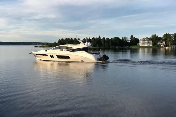 This 2015 65' Sea Ray L65 Sundancer for sale - SYS Yacht Sales