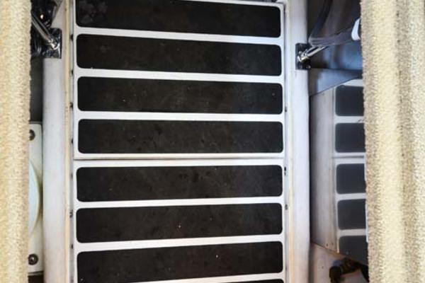 Salon sole Storage