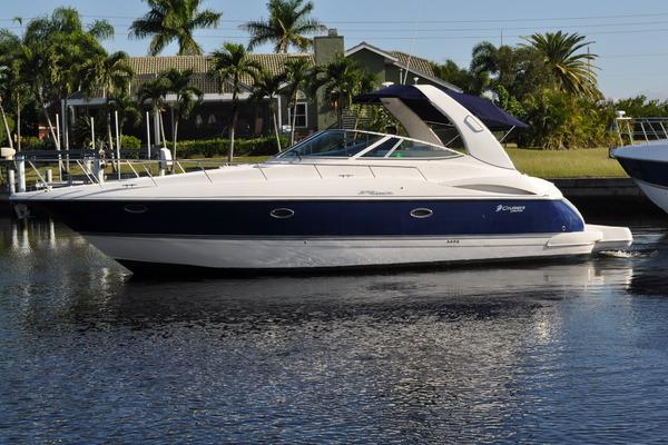 Cruisers Yachts 370