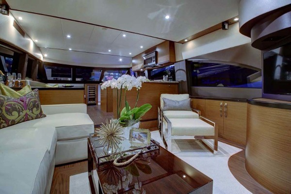 2020 Hatteras 60' M60  | Picture 5 of 18