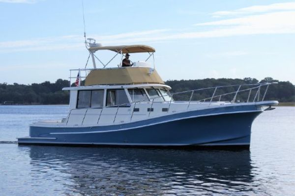Fox Island 42' Flybridge 2006