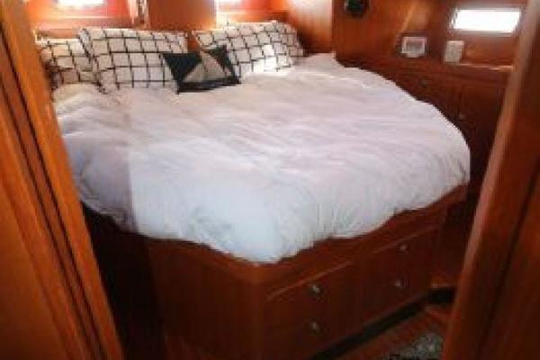 1999 Hylas 54' RS Twilight | Picture 7 of 13