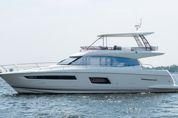 2016Prestige 55 ft 550 Flybridge   Distressor