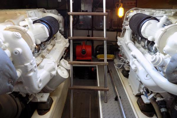 2001 Ferretti Yachts 57' 57 Motor Yacht Whine Cooler | Picture 8 of 70