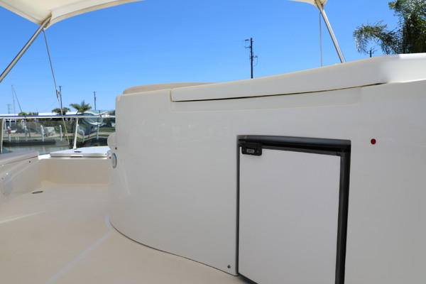 2001 Ferretti Yachts 57' 57 Motor Yacht Whine Cooler | Picture 5 of 70
