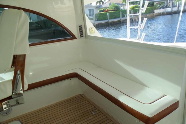 Picture Of: 47' Jersey Cape Hardtop Express SF 2013 Yacht For Sale | 4 of 83