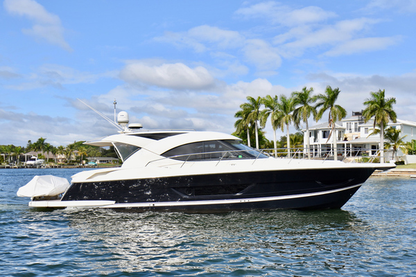 2015 Riviera 4400 Sport Yacht  Gail Force